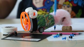 Hulladékból gyártottunk rajzolórobotot