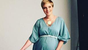 Tatár Csilla már nagyon terhes