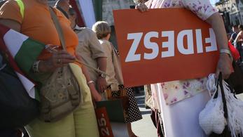 A Fideszt támogatja a legtöbb iskolázatlan
