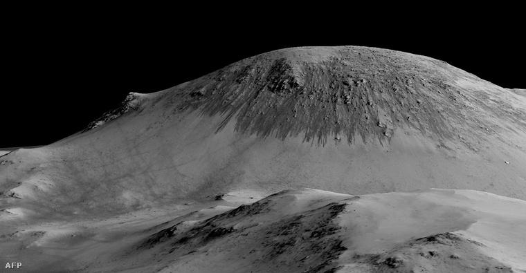 A száz méter hosszú sötét barázda-szerű csíkokat vízfolyások alakították a NASA most megjelent tanulmánya szerint.