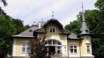 9 eladó régi villa a Dunakanyar legszebb villanegyedében