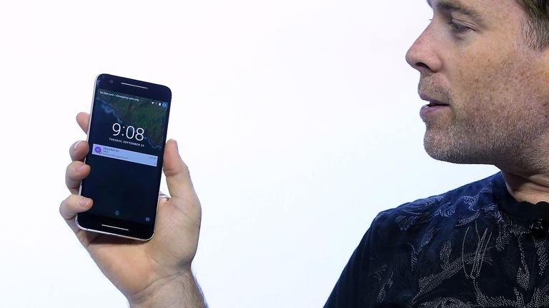 Új mobilokat mutatott be a Google