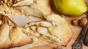 Pénteki süti: mogyorós-körtés francia pite