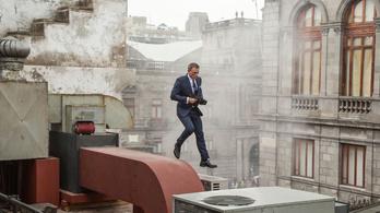 James Bondot kis híján elnyeli egy épület
