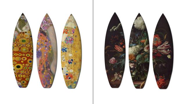 Gustav Klimt képei balra és Jan Davidsz de Heem jobbra