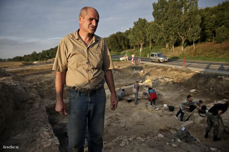 Dr. Szabó Géza, az ásatás vezetője.