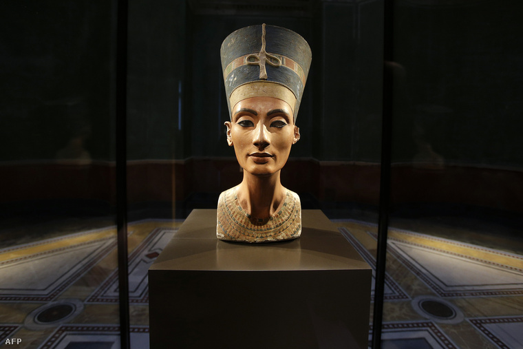 A kor szépség ideálját megtestesítő Nofertiti fáraóné