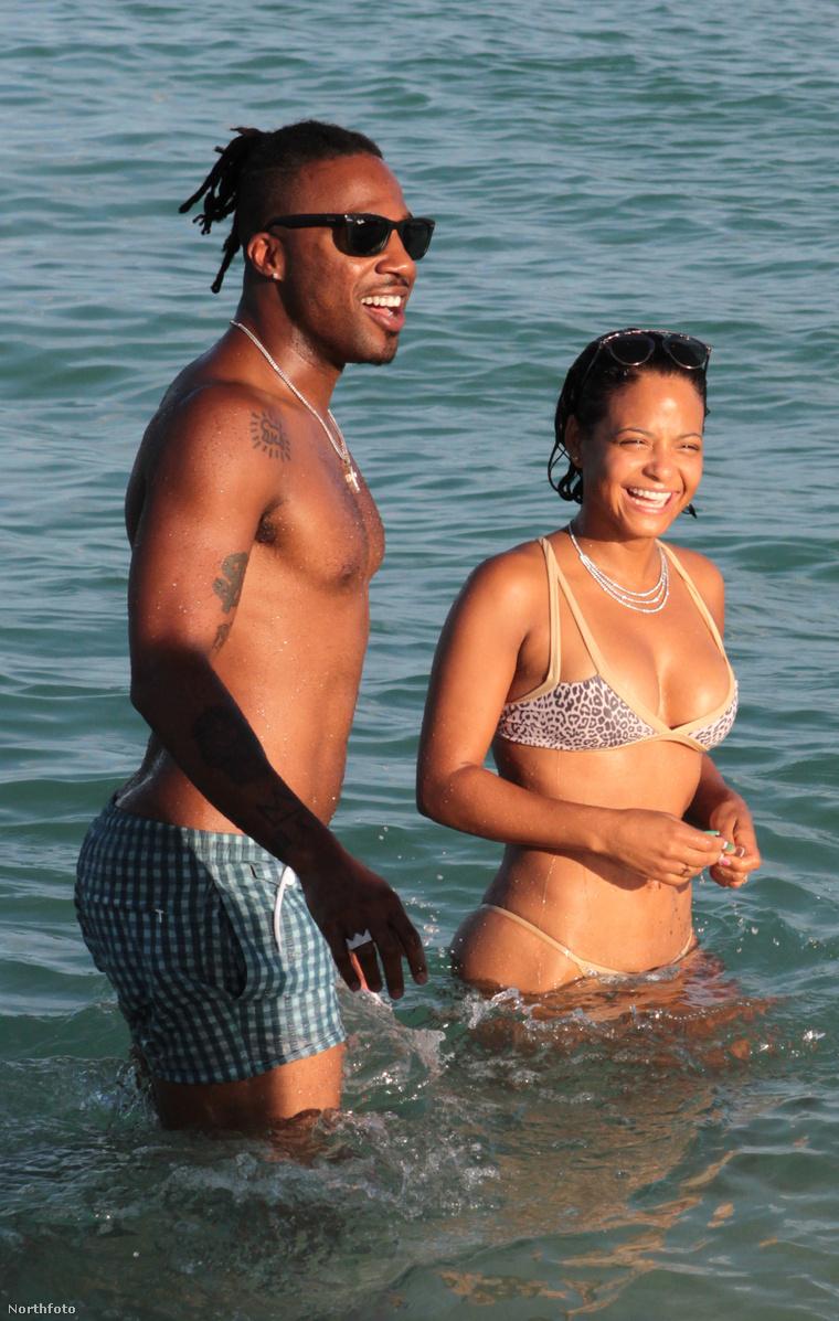 Christina Milian és egy jóvágású ismeretlen Miami egyik strandján