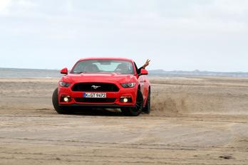 10 ok, melyek miatt muszáj szeretni az új V8-as Mustangot