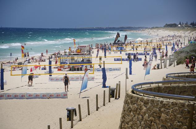 Perth tengerpartján az utóbbi héten 300 cápát észleltek