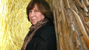 Szvetlana Alekszijevics belarusz újságíró és író kapta az irodalmi Nobel-díjat