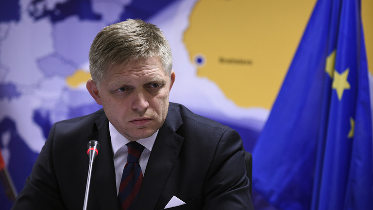 Fico lett a szocialisták Orbánja