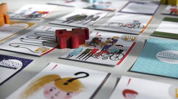 Csapj zajt, ha megvernek! Kártyajátékkal tanítják a fogyatékos gyerekeket