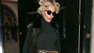 Rita Ora szettjére senki nem volt felkészülve