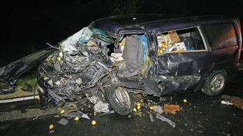 Brutális baleset volt a 4-es főúton