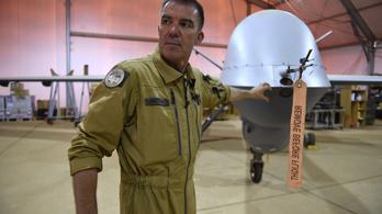 Itt az új Snowden, és drónokról szivárogtat