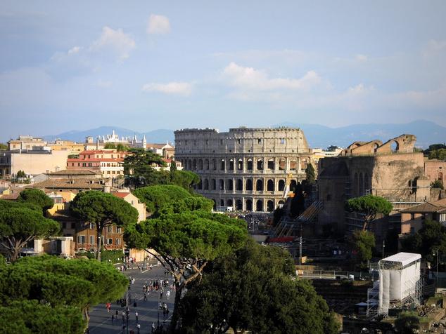 Van ötezres repjegy is Rómába