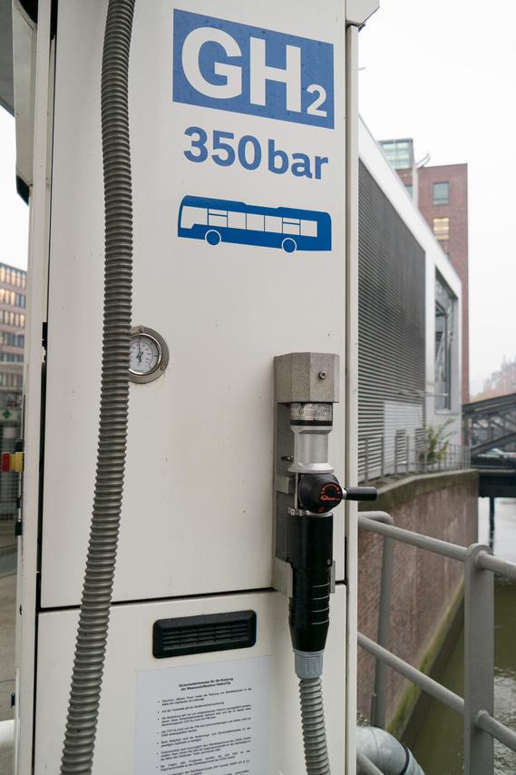 A 350 baros hidrogénnel is feltankolható a Mirai, csak ezzel feleződik a hatósugár