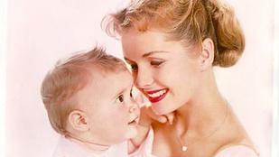 Felismeri, melyik híres színésznő gyerekkori képét látja?