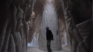 25 éve farag műalkotásokat a föld alatt, és élvezi