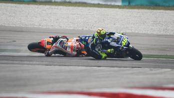 Akkor Rossi megrúgta Márquezt vagy sem?