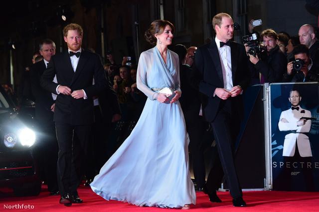 Rég láthattuk Katalint estélyiben: az új James Bond film londoni premierjére Katalin természetesen kedvenc tervezőjétőlválasztott ruhát. Na vajon tudja már, kitől?