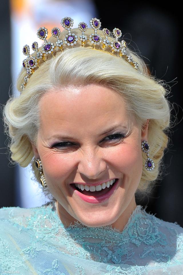 A Norwegian Amethyst Parure tiara az egyik kedvencünk Mette-Marit kollekciójából.