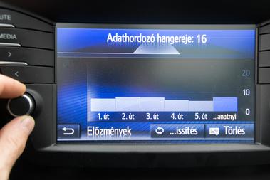 Fent látható a hangerő káprázatos animációja