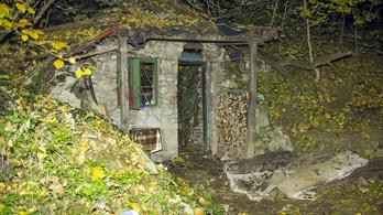 Beszakadt egy budai erdészház teteje, egy ember meghalt