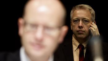 Plágiummal vádolják a cseh belügyminisztert