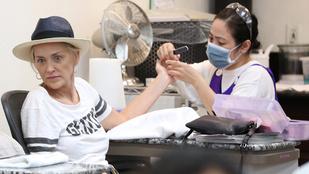 Sharon Stone feje egy körmösnél vált értelmezhetetlenné