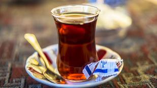 Fekete teával is küzdhet a csontritkulás ellen