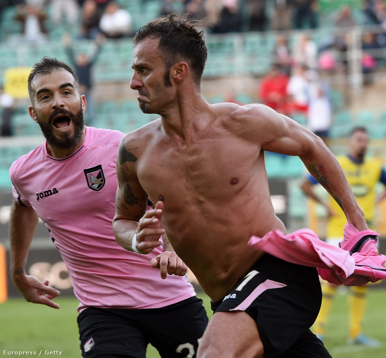 A Palermo játékosa berúgott egy gólt