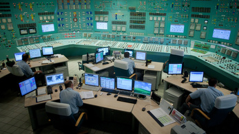 Ádert kérik, ne írja alá az új atomtörvényt, ami alapján engedély se kell Pakshoz