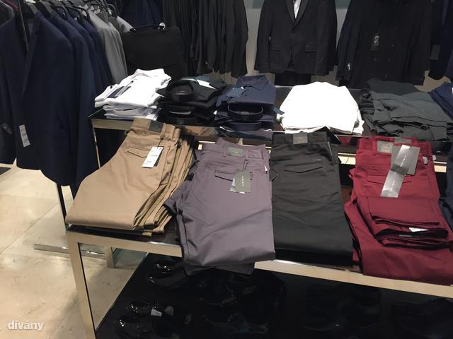 Ez már a Zara, ahol azt vártam, hogy valami nagyon divatosat találok.