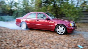 Mercedes-szel a nirvánába