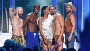 Haha, mintha Mel B-n kívül férfivá változott volna a Spice Girls!