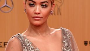 Rita Ora gondosan választott magának dekoltázst