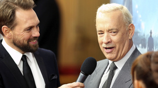 Hurrá! Tom Hanks haját megjavították