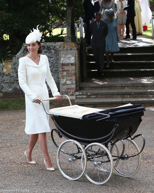 2015 július elején tartották Charlotte hercegnő keresztelőjét a Sandringhami Mária Magdaléna templomban. Katalin hercegné, akárcsak két évvel ezelőtt György herceg keresztelőjekor, ezúttal is az egyik kedvenc brit divatházától, Alexander McQueentől választott ruhát az eseményre.