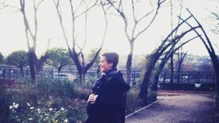 Tatár Csilla nagyon terhes és nagyon vidám
