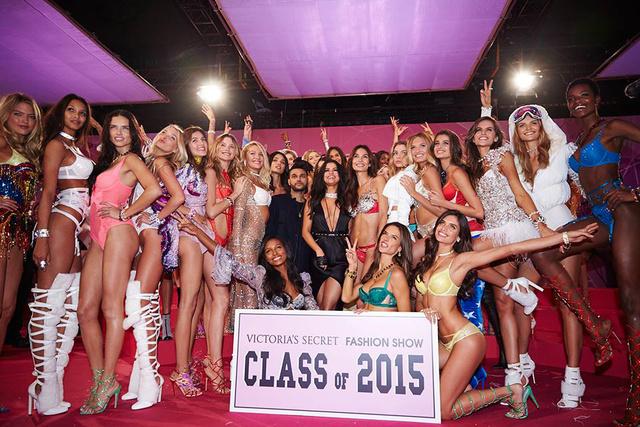 Naná, hogy felkapott a magas félpucér nőkkel hirdető Victoria's Secret.