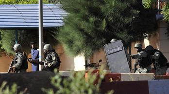 Sok a megválaszolatlan kérdés a bamakói vérengzés körül