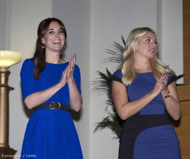 Kate Middleton és Holly Willoughby egy díjátadón.