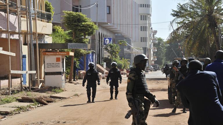 Egy héttel a párizsi támadások után egy mali hotel lett a célpont