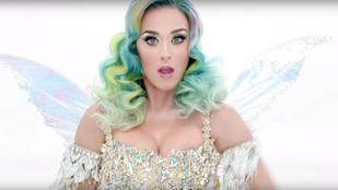 Katy Perry giccsel és mellel várja a karácsonyt