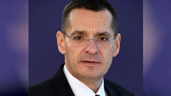 Schmittelte doktoriját a román belügyminiszter