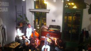Budapesti kávézót sztárol a BBC