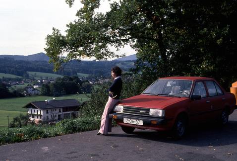1982 szeptembere. Sunny jön hazafelé a holland kikötőből. Anyám még vékony, de már retteg az autóban