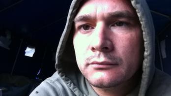 Bűnösnek találták a migránsnak állt indexes újságírót
